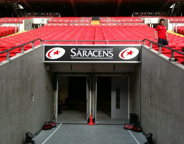 wembley-tunnel-sign-for-saracens29A805A7-C2AB-B0A0-FD8F-66DDC303F2CA.jpg