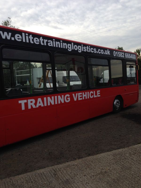 bus-vehicle-signwriting-dunstable6B994600-D23B-1D0D-648F-452217FC5ECC.jpeg