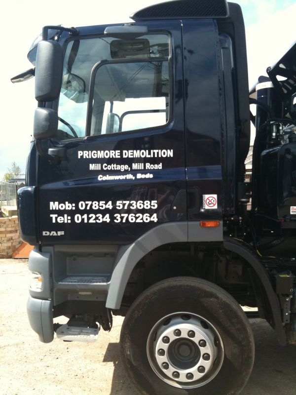 commercial-vehicle-signwriting-bebford780B0A53-13B6-F8B0-2281-21EC0E4EA3C0.jpeg